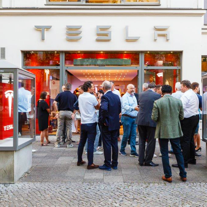 CITY TALK 16.08.18  IM TESLA STORE AM KURFÜRSTENDAMM