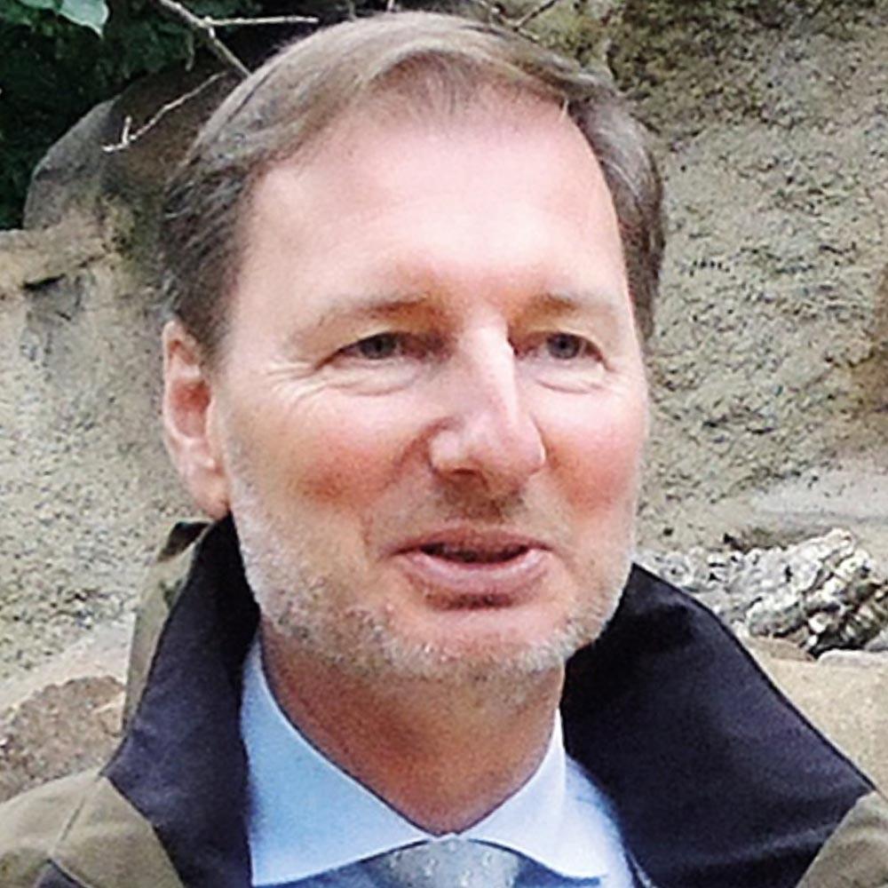 Dr. Andreas Knieriem